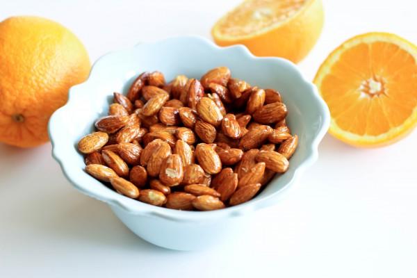وجبات خفيفة صحية - لوز وبرتقال