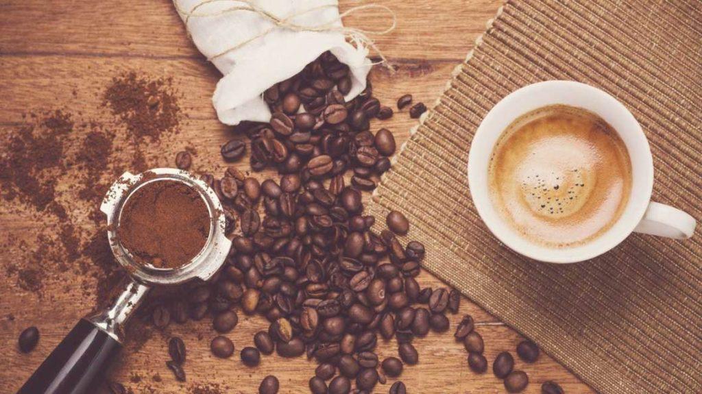 نسبة الكافيين في المشروبات القهوة