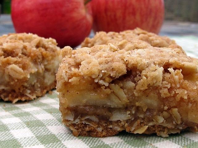 سناكس صحية بالشوفان ألواح التفاح